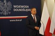 Wojewoda Dolnośląski Paweł Hreniak podczas przemówienia - Wojewoda Dolnośląski Paweł Hreniak podczas przemówienia